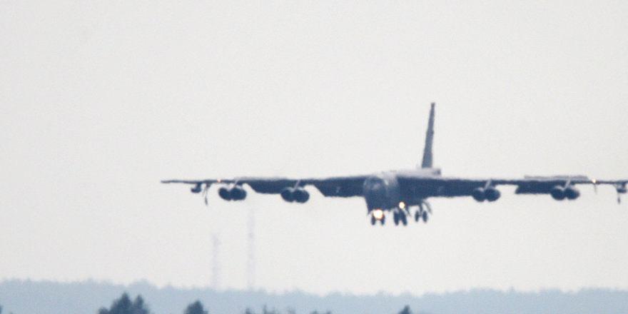 ABD'ye ait B-52H, Kaliningrad yakınlarında bombardıman simülasyonu yaptı
