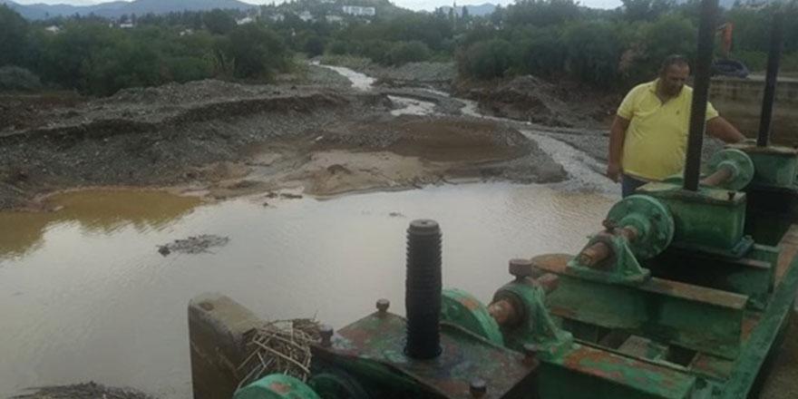 Lefke bölgesi'ndeki kanal regülatöründe temzlik yapıldı
