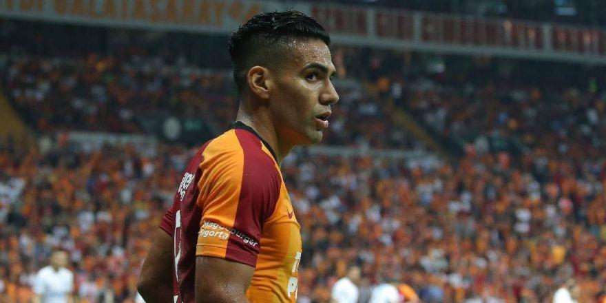 Beşiktaş'tan Galatasaray'a Falcao göndermesi