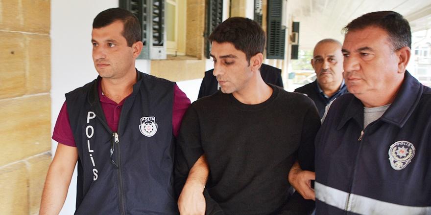 Tecavüzcüye 13 yıl hapis cezası