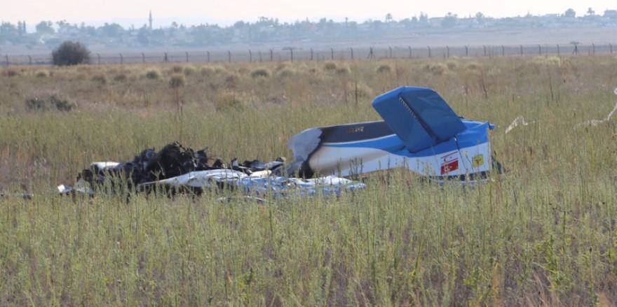 Düşen uçağın kokpiti tamamen yandı