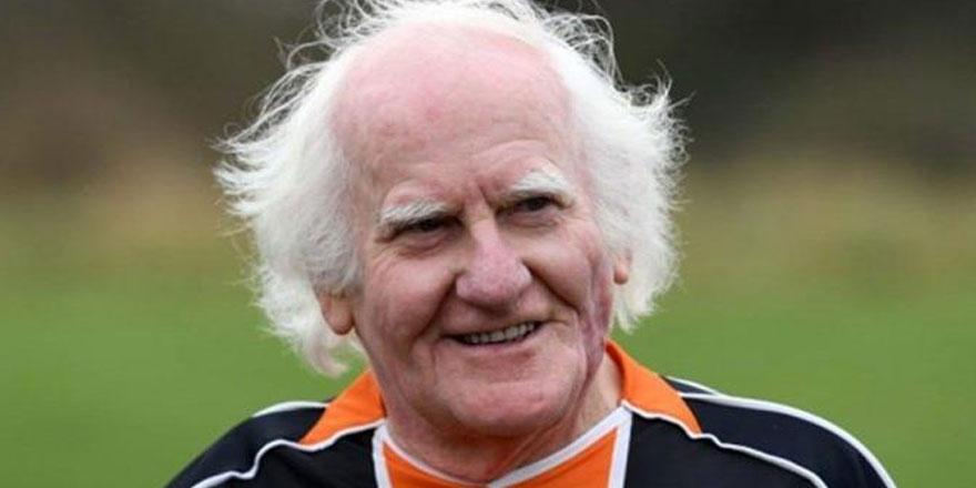 83 yaşındaki isim futboldan vazgeçmiyor!