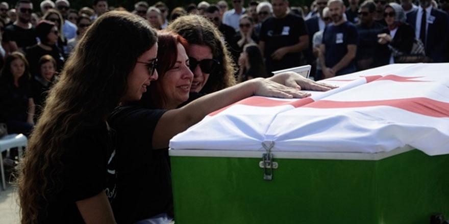 Uçak kazasında hayatını kaybeden pilot Özcezarlı için tören düzenlendi