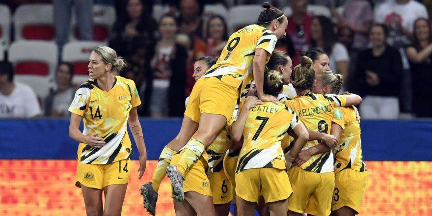 Avustralya milli takımında artık kadın ve erkek oyuncular eşit maaş alacak