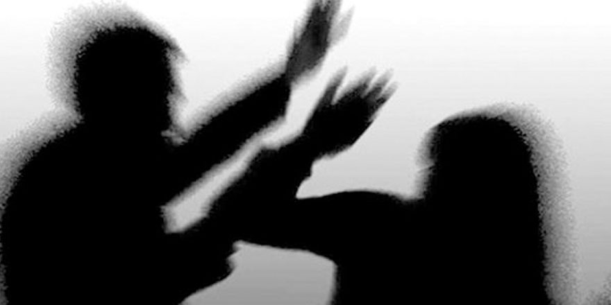 Ayrı yaşadığı eşine kezzapla saldırdı