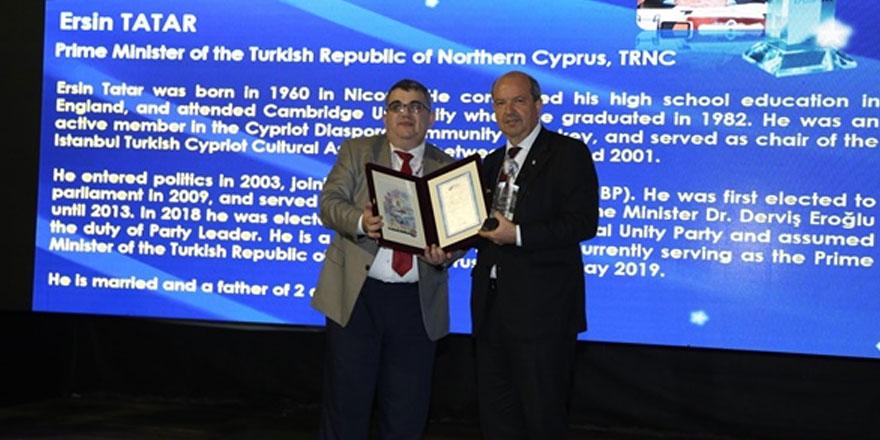 Tatar'a stratejik vizyon sahibi devlet adamı ödülü takdim edildi