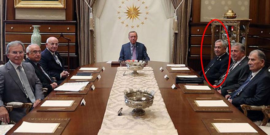 Erdoğan hala orada tutuyorsa...