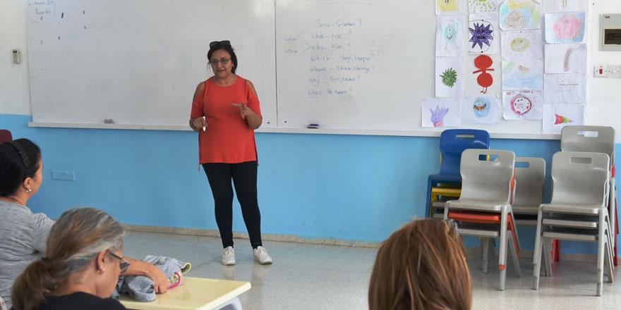 LTB'nin kadınlara yönelik İngilizce kursları sürüyor