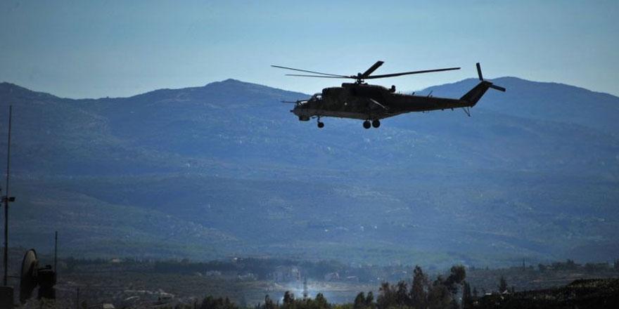 Rus helikopterlerinin Suriye'deki Türk-Rus devriyeleri sırasında koruma sağladığı anlar kamerada