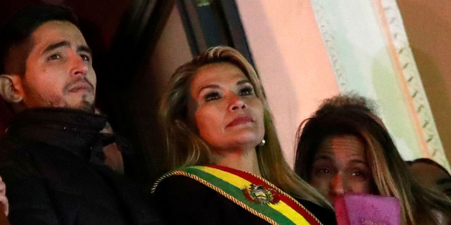 Kendini Bolivya'nın geçici devlet başkanı ilan eden Anez'ın ırkçı paylaşımları ortaya çıktı