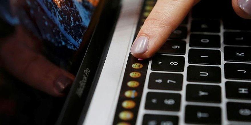 Apple yeni MacBook'unu tanıttı, eskisini kaldırdı