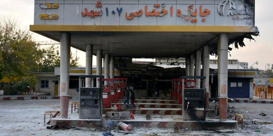 İran Devrim Muhafızları'ndan devam eden protestolara karşı sert uyarı