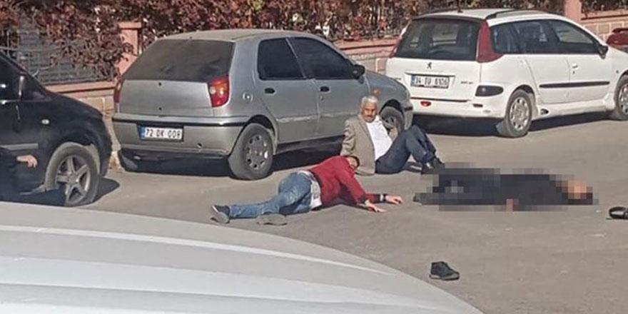 Adliye önünde silahlı kavga: 1 ölü, 4 yaralı