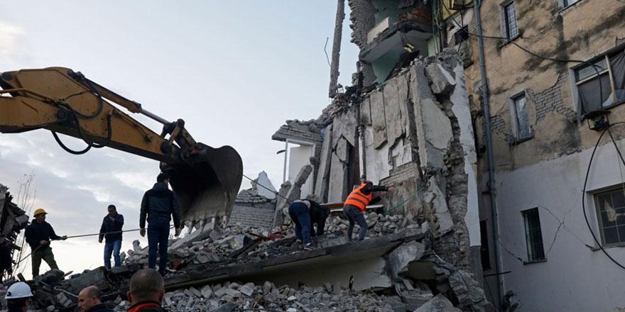 Depremden kurtulan Türk yaşadıklarını anlattı