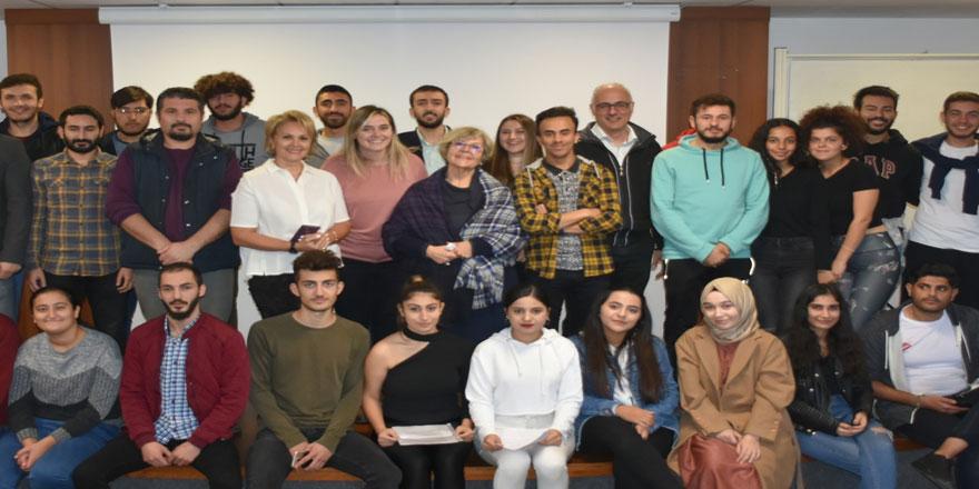 Final Üniversitesi'nde Engelliler Günü farkındalık etkinliği gerçekleştirildi.