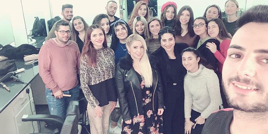 Saç Bakımı ve Güzellik Hizmetleri Bölümü Öğrencileri Öğretmenlere Bakım Yaptı…