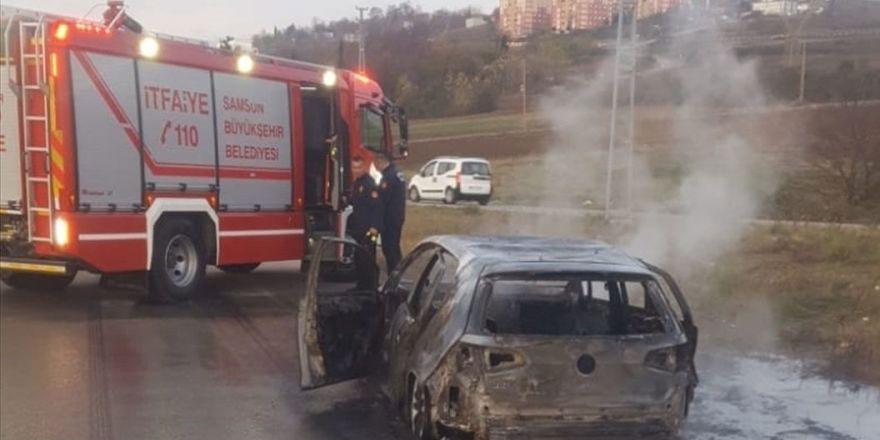 Boşanma aşamasındaki karısının arabasını yakıp görüntülerini WhatsApp'tan gönderdi