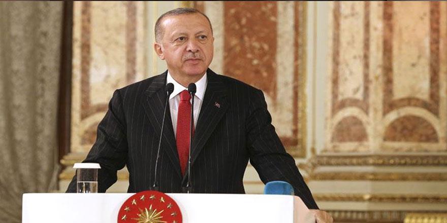 Erdoğan Tatar ve Özersay'ı kabul etti, görüşme başladı