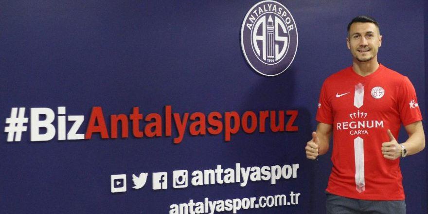 Adis Jahovic Antalyaspor ile sözleşme imzaladı