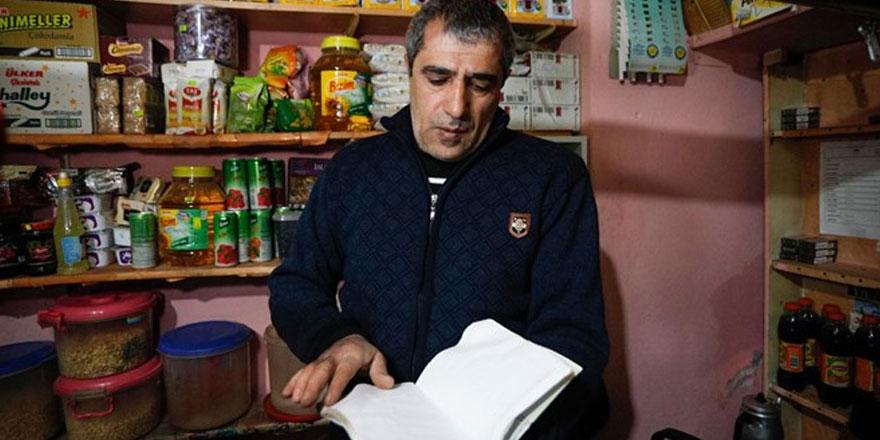 'Robin Hood' bu kez deprem bölgesinde: Depremzedelerin bakkal borçlarını kapattı