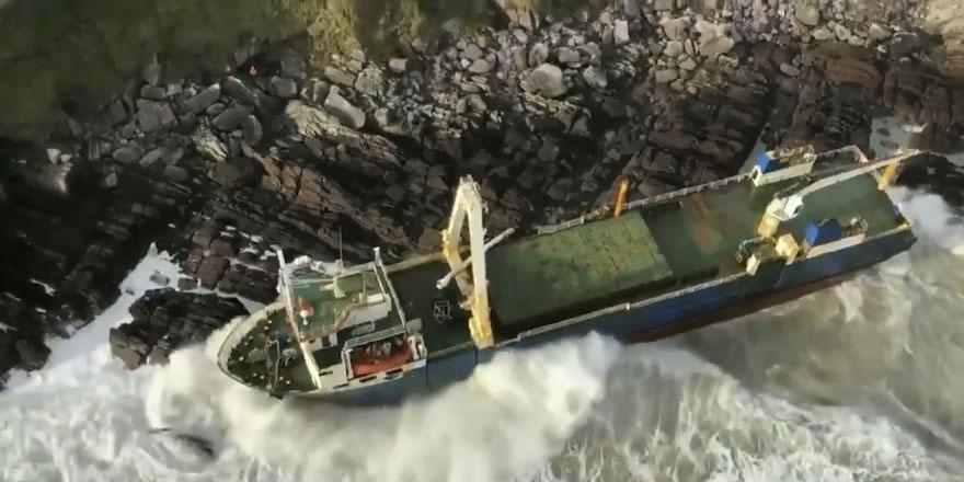 İrlanda kıyısında 'hayalet' gemi tespit edildi