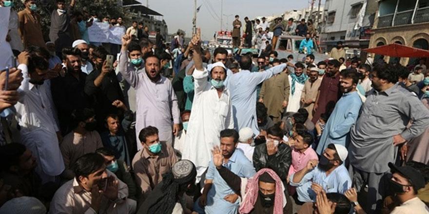 """Pakistan'da 14 kişinin ölümüne """"soya tozu"""" yol açtı"""