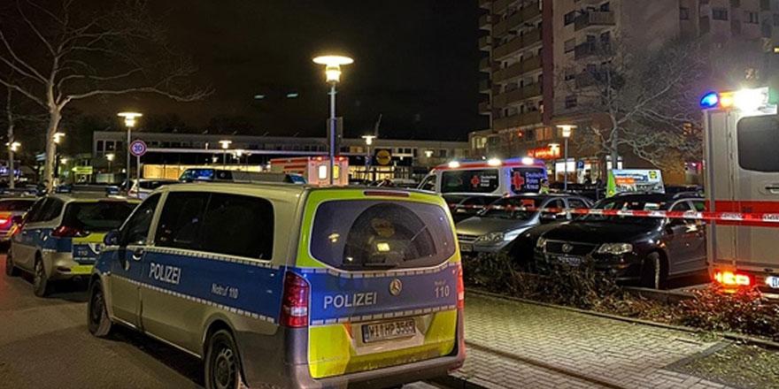 Almanya'da iki kafeye silahlı saldırı: 11 ölü