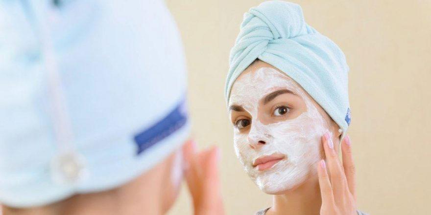 Ev yapımı gözenek sıkılaştırıcı maske tarifi…