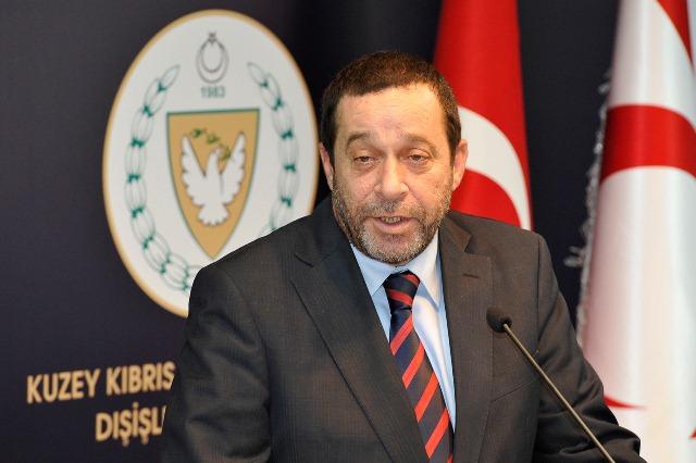 Denktaş, Kuzey Kıbrıs Narenciye Üreticiler Birliği yönetim kurulu üyeleriyle görüştü