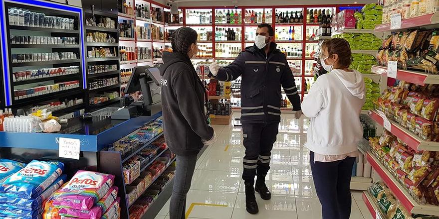 Girne'de 2 market kapatıldı