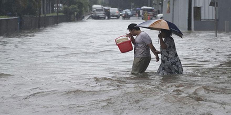 Endonezya'da sel nedeniyle 1463 ev su altında kaldı