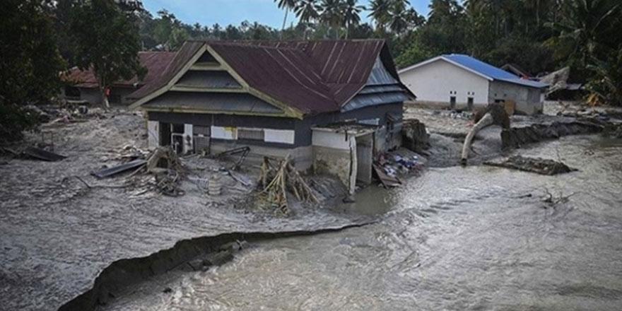 Endonezya'da 5 bin 965 kişi selden etkilendi