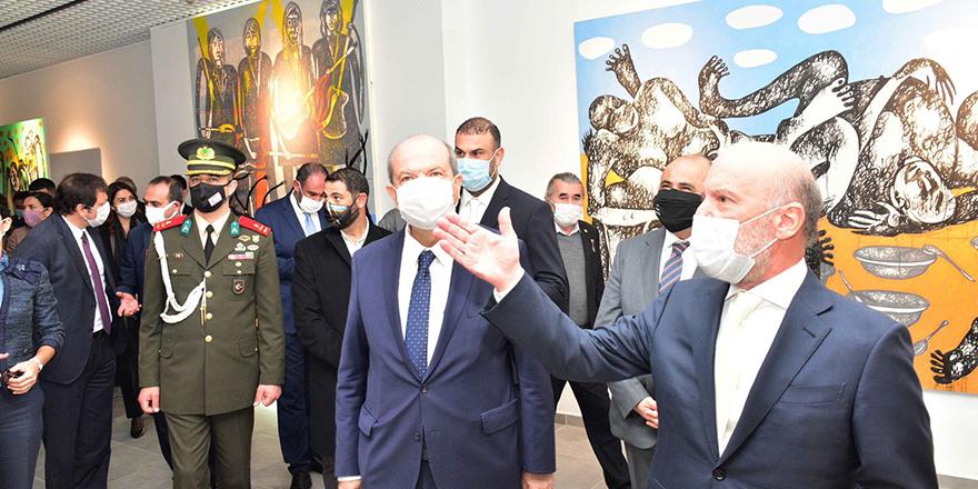 """""""Her Zaman Mutluluk Olsun"""" isimli kişisel serginin açılışını Tatar yaptı"""