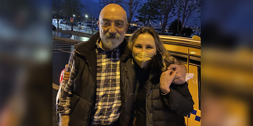 Ahmet Altan, 4 yıl 6 ay sonra tahliye edildi