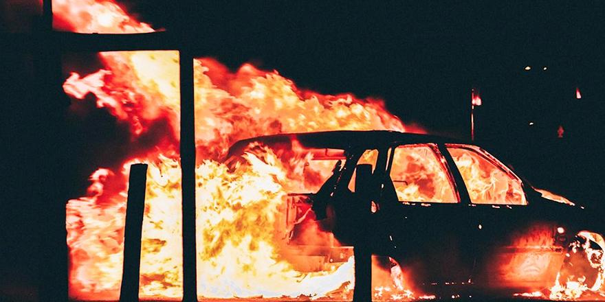 Güneyde kutlamalar sırasında yangın çıktı!