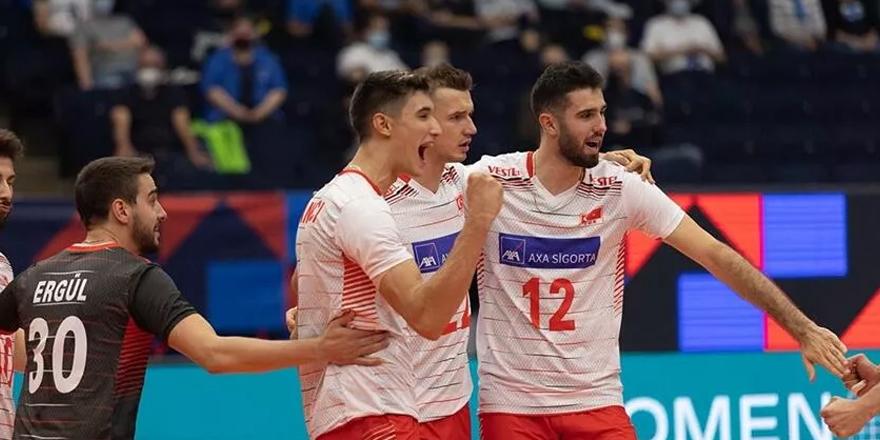 Türkiye A Milli Erkek Voleybol Takımı gruptan çıkmayı garantiledi