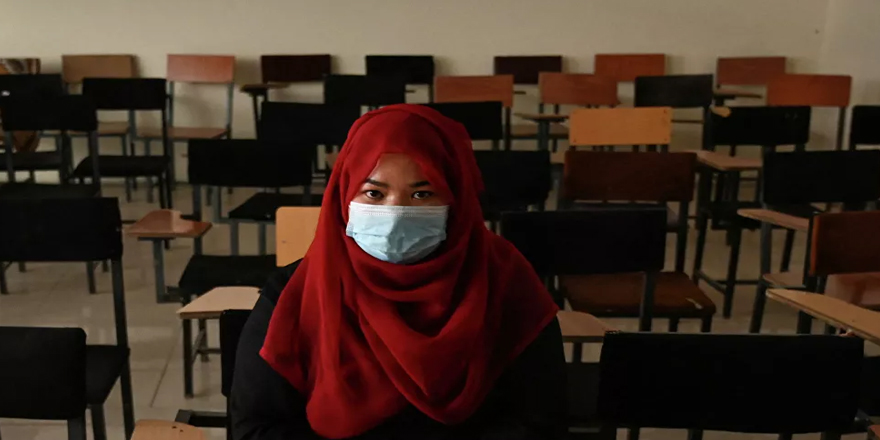 Taliban: Şeriata uygun güvenli ortam sağlandıktan sonra kız çocukları orta eğitime geri dönebilir