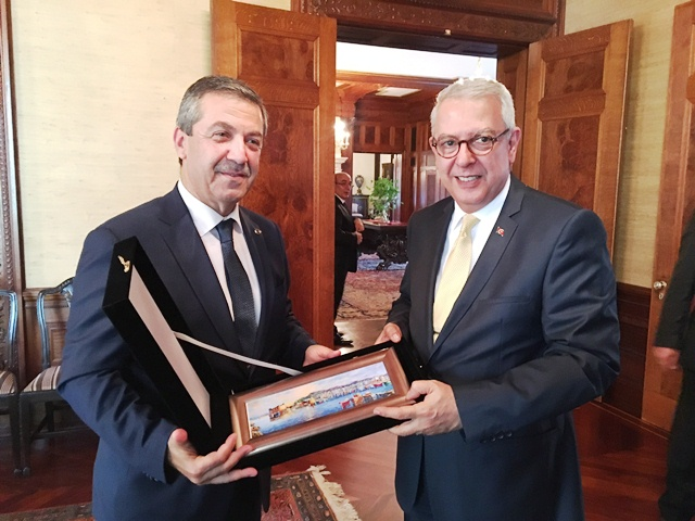 """Dışişleri Bakanı Ertuğruloğlu ''Kıbrıs'ta artık diğer alternatifleri masaya koyma zamanı geldi"""""""