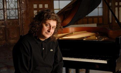 """Piyanist Tuluyhan Uğurlu, """"Güneş Ülke Anadolu"""" isimli piyano resitali verdi"""