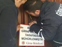 Girne'de bir otel mühürlendi