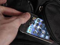 Küba'da cep telefonlarına internet bağlanıyor